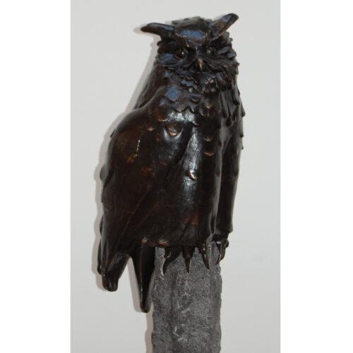 Eduard Arutjnian bronzen beeld 'Uil'