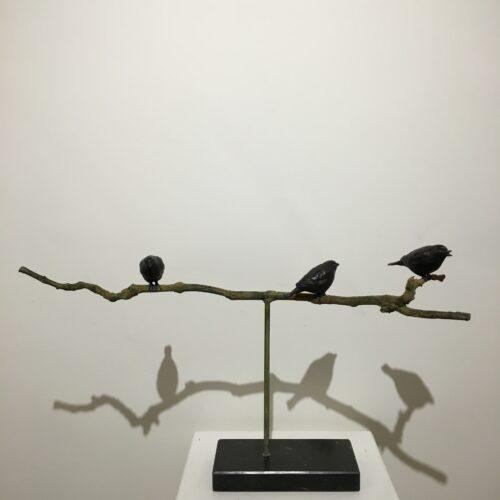 Rob Nagtzaam bronzen beeld vogeltjes op tak