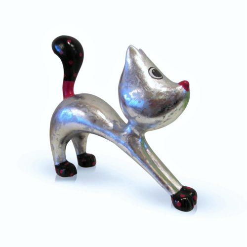Niloc Pagen stretching cat Hillie 'Fresh Silver'
