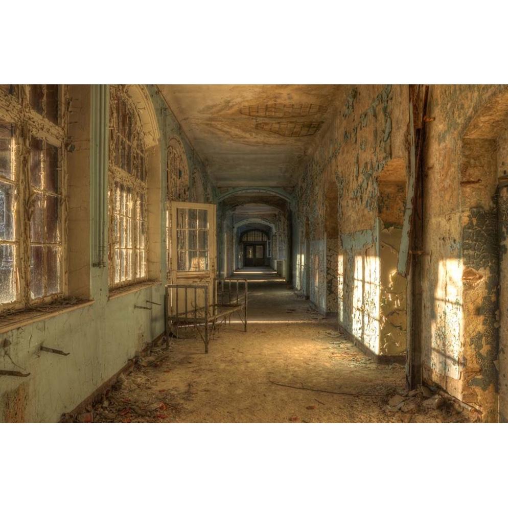 Urbex foto op plexiglas 'Empty bed'