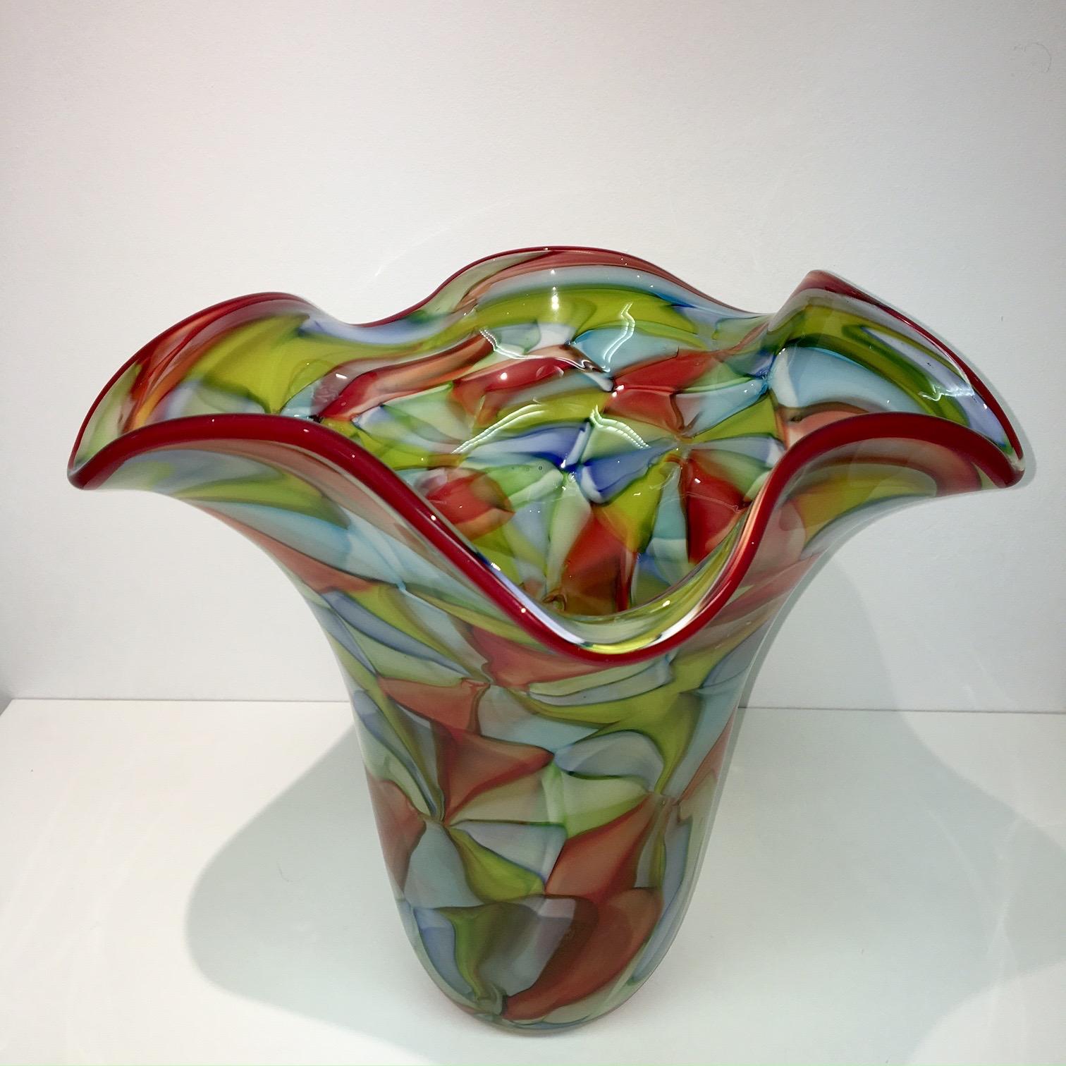 gekleurde glazen vazen