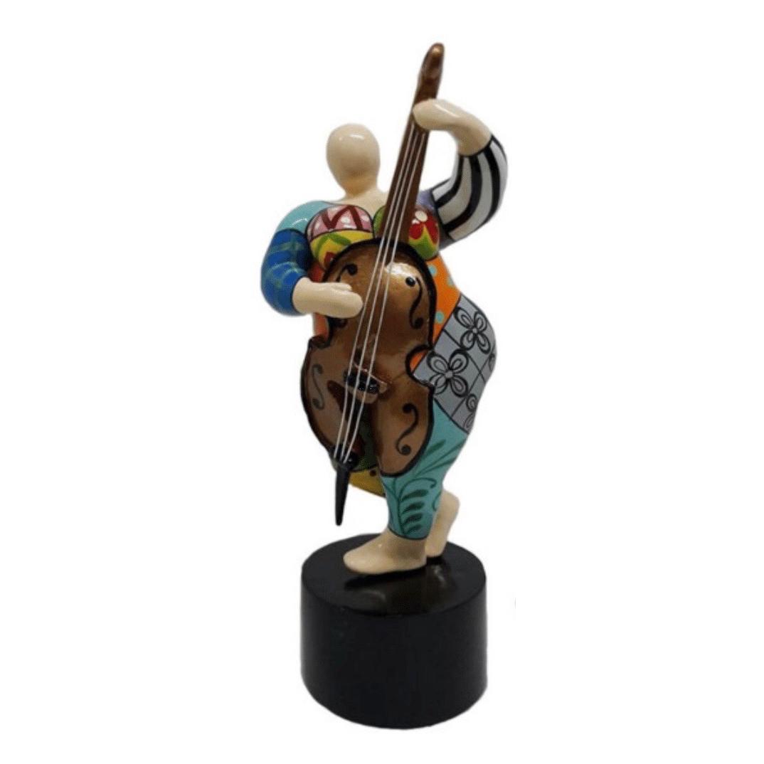 Mia Coppola beeld 'Bass Violin'