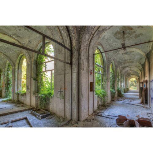 Urbex foto op plexiglas 'Shared Hallway'