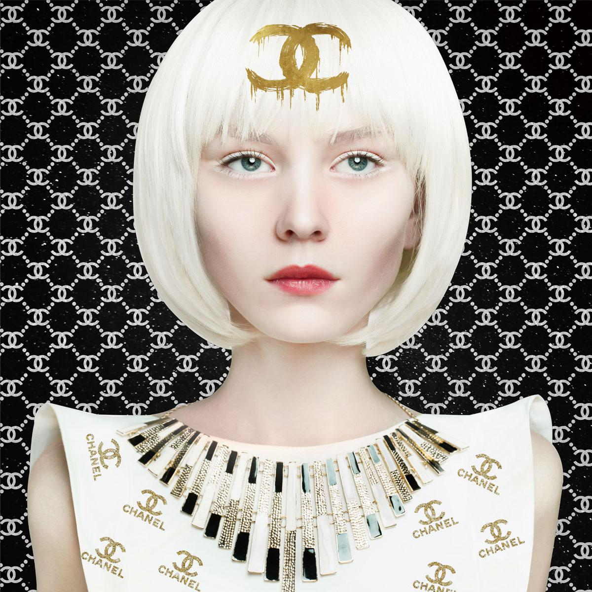 Foto op glas 'Chanel blond hair'