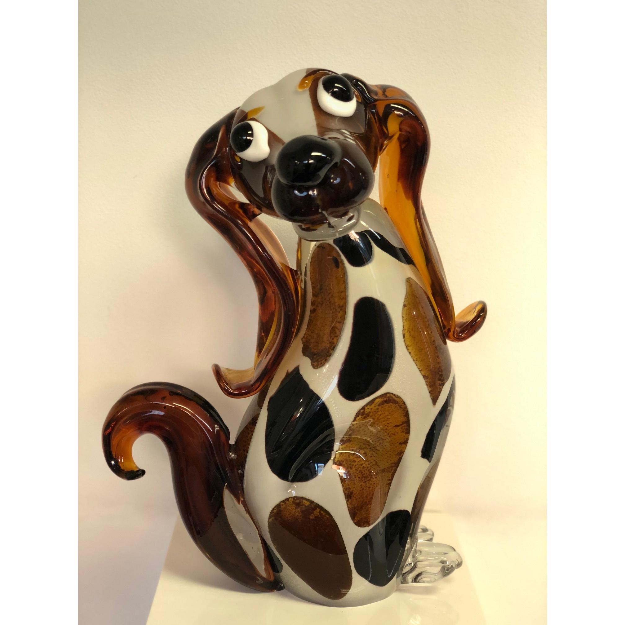 Gilde glassculptuur 'Blije hond'