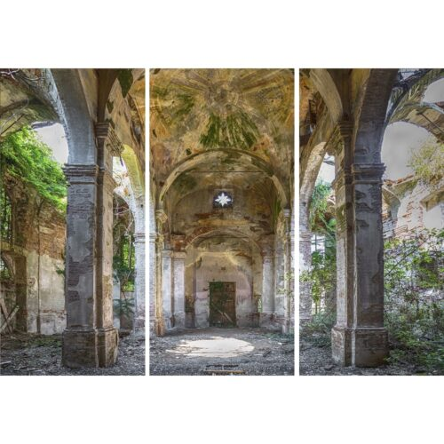 Urbex foto op plexiglas 'Church Garden'