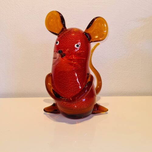 Design glas beeld 'Rode muis'
